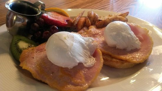OEB Breakfast Co.: one of the egg benny meals