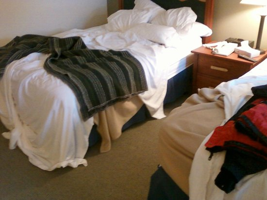 Killington Grand Resort Hotel: Housekeeping nice bed ohwell.