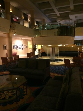 Ventura Beach Marriott: Off main lobby