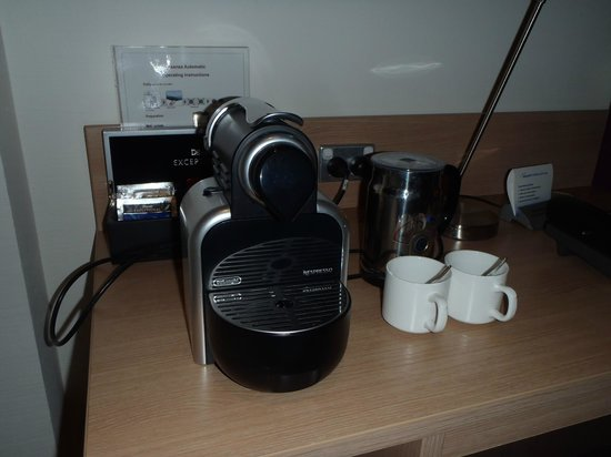 Mercure Perth: Pod Coffee Machine
