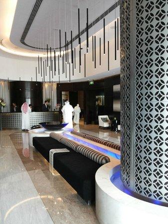 Sheraton Dubai Mall of the Emirates Hotel: Ground floor lobby #1