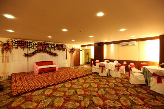 Hotel Crossroads: Decor in making - Banquet Hall