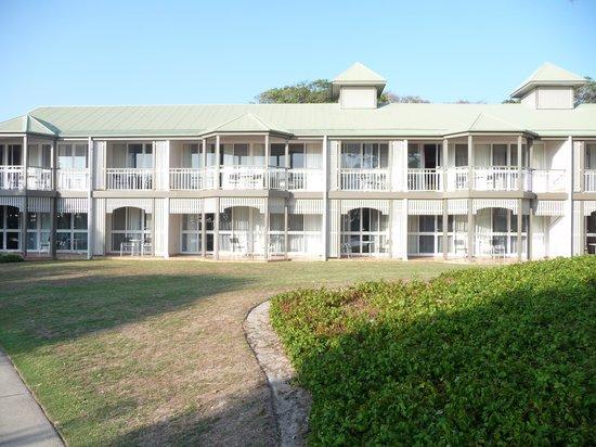 Novotel Twin Waters Resort : 2 storey accommodation