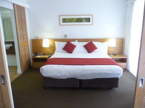 Novotel Twin Waters Resort : Bedroom