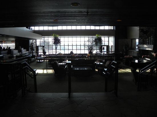 Grand Geneva Resort & Spa: Straight lines, overlooking lake