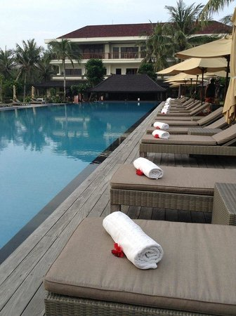 Hotel Ombak Sunset : The sun bed