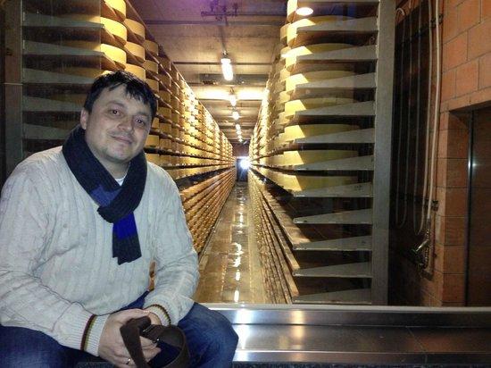 Castillo de Gruyères: Самый настоящий Грюйерский сыр
