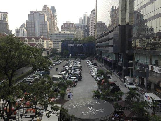 Renaissance Bangkok Ratchaprasong Hotel: View from Chit Lom BTS