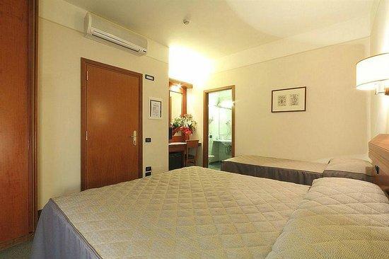 Hotel Arcadia : triple room