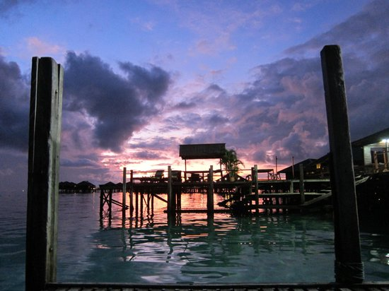 Sipadan Water Village : sunrise from the boat before diving sipadan at 5.15am