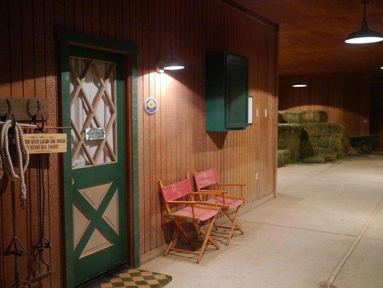 Rancho Bernardo Bed & Breakfast: barn