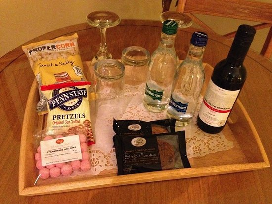 Whittlebury Hall: Tray of complimentary snacks, cookies, wine
