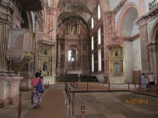 Church of St. Francis of Assissi: церковь внутри