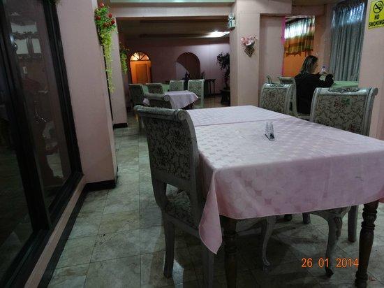 Belfranlt Hotel: La salle pour le breakfast...