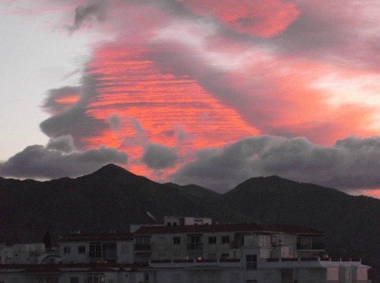 Hotel Riu Monica : Pre sunrise cloud formation