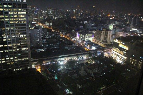 Centara Grand at CentralWorld: Вид из окна