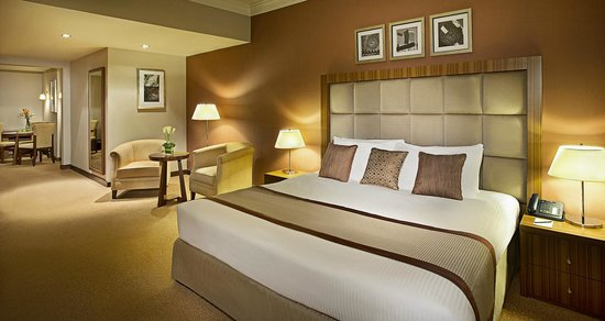 City Seasons Al Hamra Hotel Abu Dhabi : City Seasons Al Hamra Abu Dhabi Executive Suite