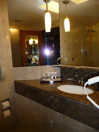 Swissotel The Stamford Singapore: Ванная