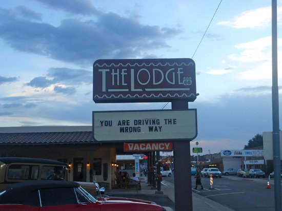 The Lodge On Route 66: Hotel depuis la rue