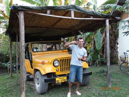Chez Mango : Noé toujours reconnaissable avec sa jeep jaune