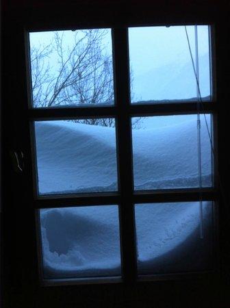 Hotel Chesa Salis: Leise riselt der Schnee bis unters Dach
