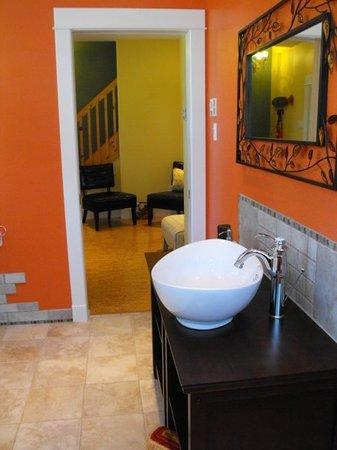 Bailey House Bed and Breakfast : Coach House bathroom