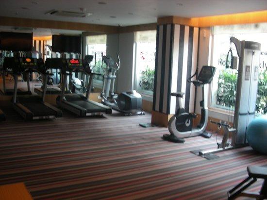 Red Fox Hotel, Delhi Airport: gym