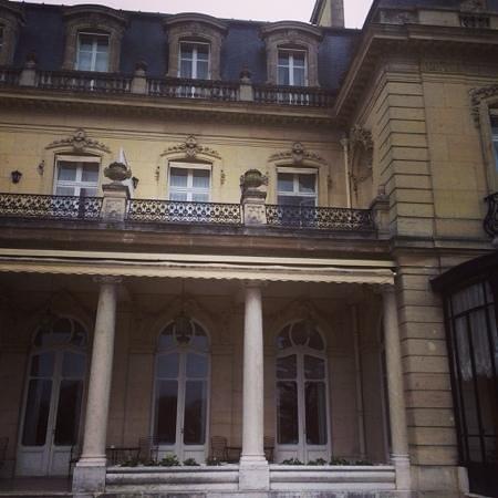 Château Les Crayeres : number 15 terrace.....