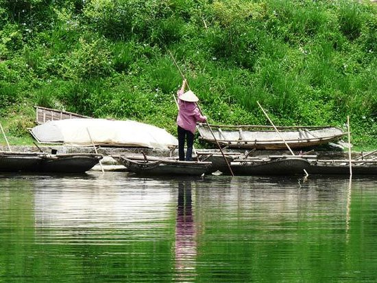 Asiatica Travel: Local sampan