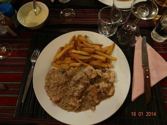Le Café de Paris : Un émincés de Poulet avec une sauce aux champignons...