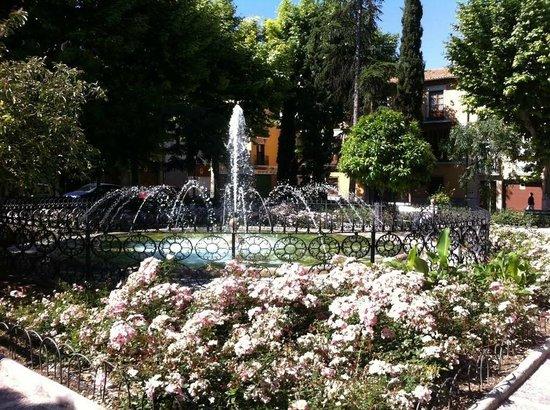 Casa Montalbán Apartamentos: Plaza de los Lobos, junto a Casa Montalbán