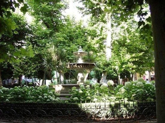 Casa Montalbán Apartamentos: Plaza de la Trinidad, junto a Casa Montalbán