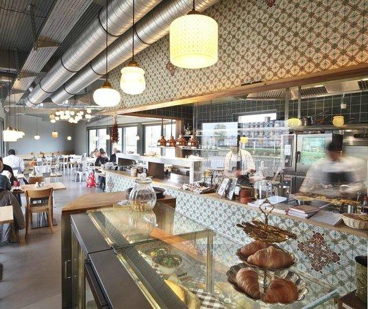 Photo of Modern European Restaurant Laube Liebe Hoffnung at Pariser Str. 11, Frankfurt 60486, Germany