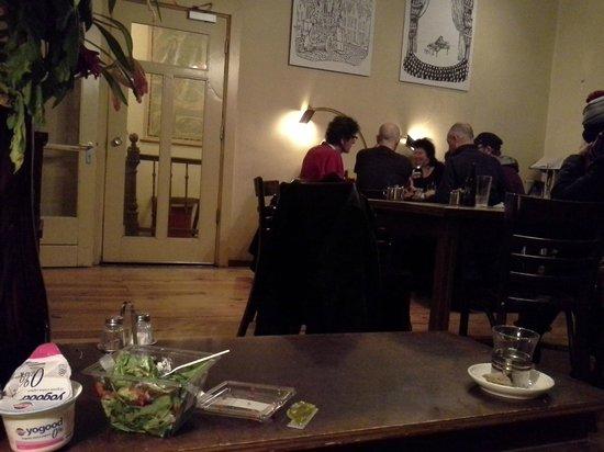 Strowis Budget Hostel: dinner