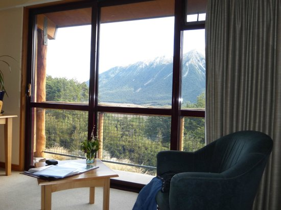 Wilderness Lodge Arthurs Pass: Room and view