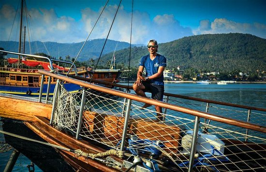 Boutique Yachting - Day Cruises & Private Charters: Equipage souriant