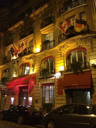 Hotel Astor Saint-Honore: Entrée de l'hotel