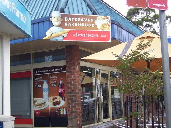 Batehaven Bakehouse: Shop front