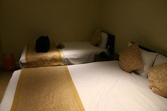 The Brighton Hotel : a good clean room