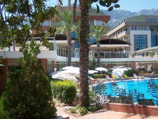 Rose Beach Residence : территория отеля