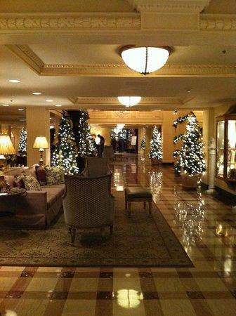 Hotel Monteleone: лобби3