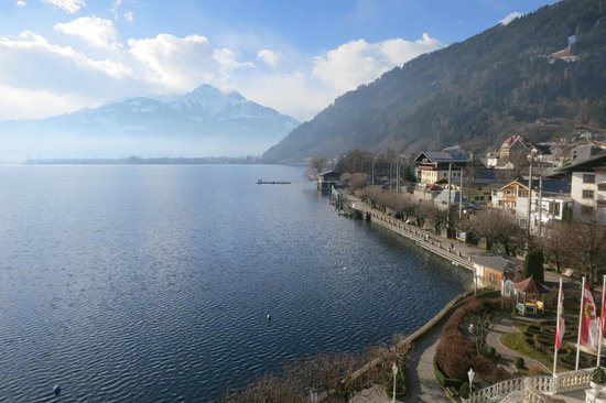 Grand Hotel Zell am See : View of the lake from our window