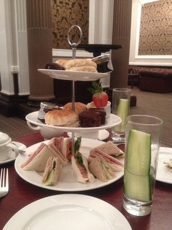 Holiday Inn Sheffield: afternoon tea at the Victoria hotel