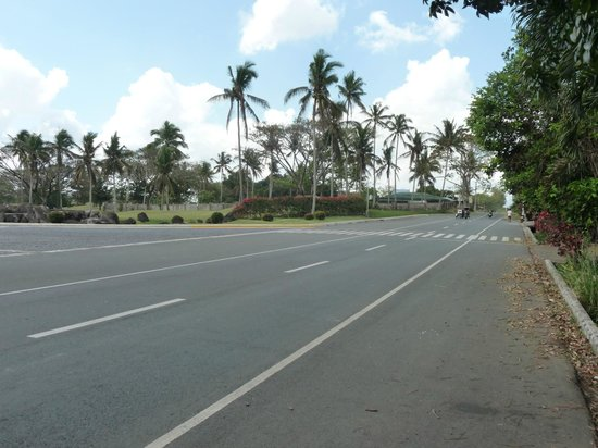 The Suites at Mount Malarayat: The main street outside and in front of the resort