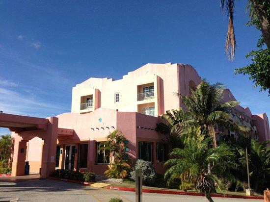 Hotel Santa Fe Guam: 可愛らしい外観