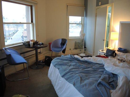 Cadillac Hotel: 室内。日本基準とは違います(笑)
