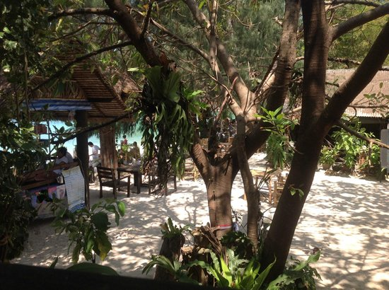 My Way Bungalows: View of the restaurant from our bungalow