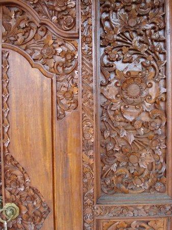 Sayong House : Puerta