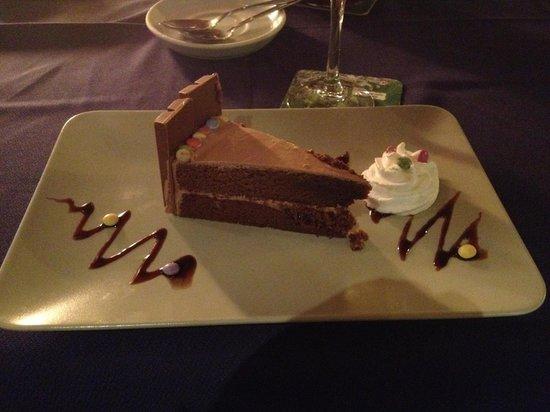 La Luna: Tarta de chocolate de kitkat con baileys
