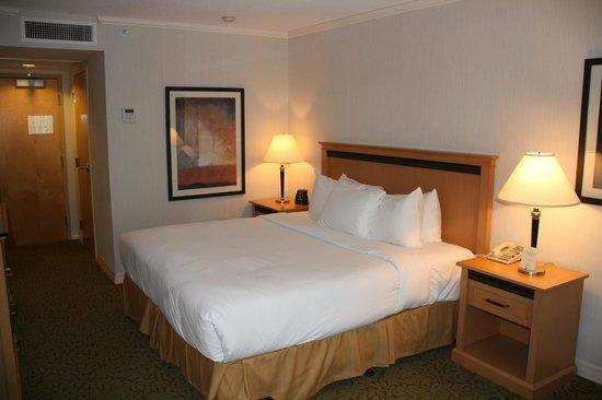 Hilton Vancouver Metrotown: Bed